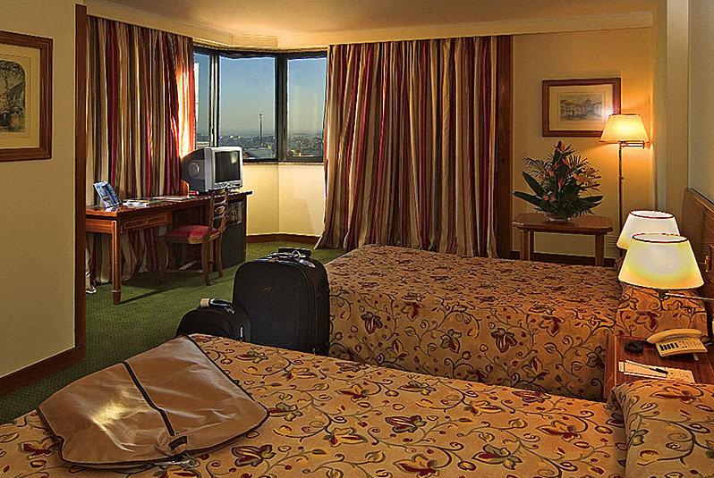 Hotelzimmer mit Golf im Hotel Real Parque