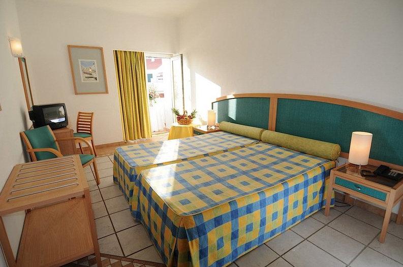 Hotelzimmer mit Golf im Carvoeiro Plaza