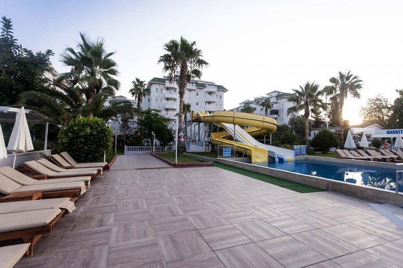 The Garden Beach Hotel günstig bei weg.de buchen - Bild von LMX International