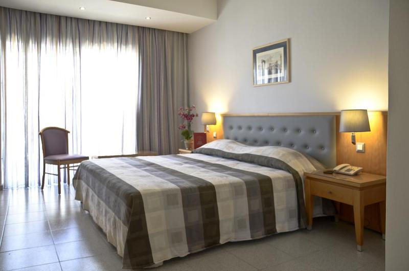 Hotelzimmer mit Kinderbetreuung im Hotel Athena