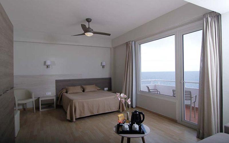 Hotelzimmer mit Mountainbike im Hotel Club Palia Maria Eugenia