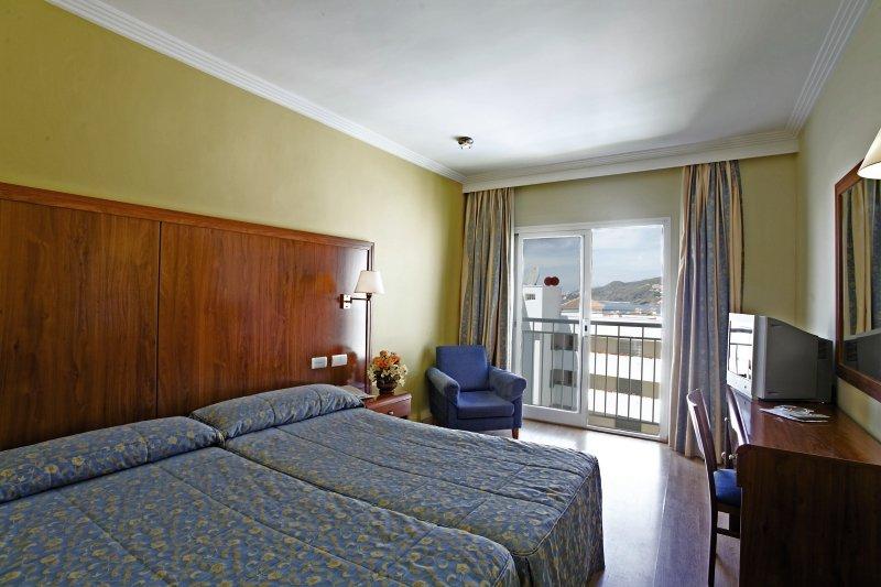 Hotelzimmer im Sercotel Hotel Perla Marina günstig bei weg.de