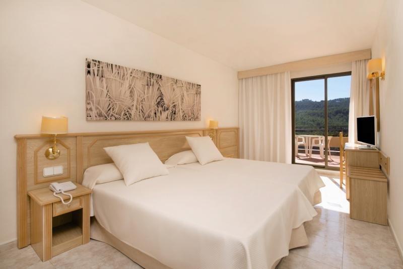 Hotelzimmer im Olé Galeón Ibiza günstig bei weg.de