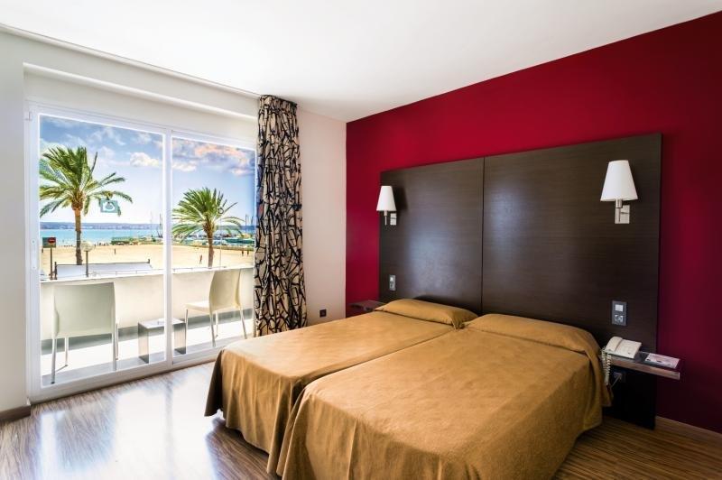 Hotelzimmer mit Golf im Nautic Hotel