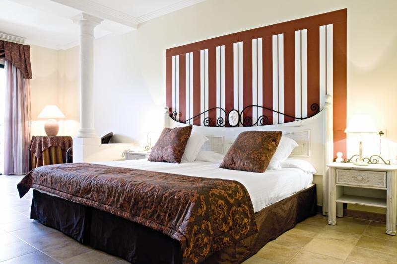 Hotelzimmer mit Mountainbike im Lago Garden Apartsuites & Spa Hotel
