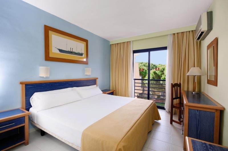 Hotelzimmer mit Mountainbike im Sol Sancti Petri Apartamentos