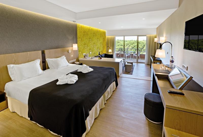 Hotelzimmer mit Golf im Hotel Falesia