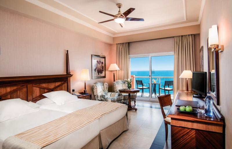 Hotelzimmer im Elba Estepona Gran Hotel & Thalasso Spa günstig bei weg.de