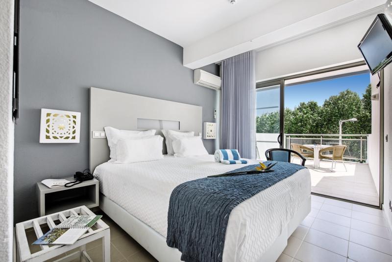 Hotelzimmer im Carvi Beach Hotel Algarve günstig bei weg.de