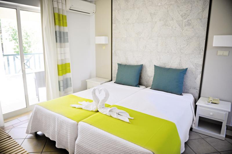 Hotelzimmer im Adriana Beach Club günstig bei weg.de