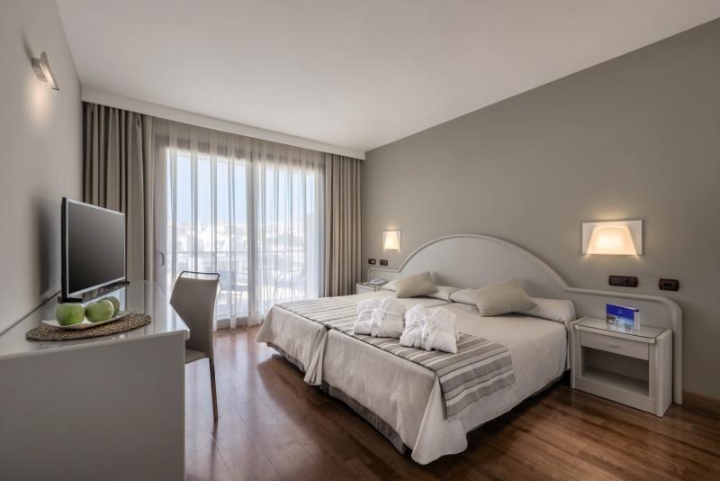 Hotelzimmer mit Volleyball im VIK Gran Hotel Costa del Sol