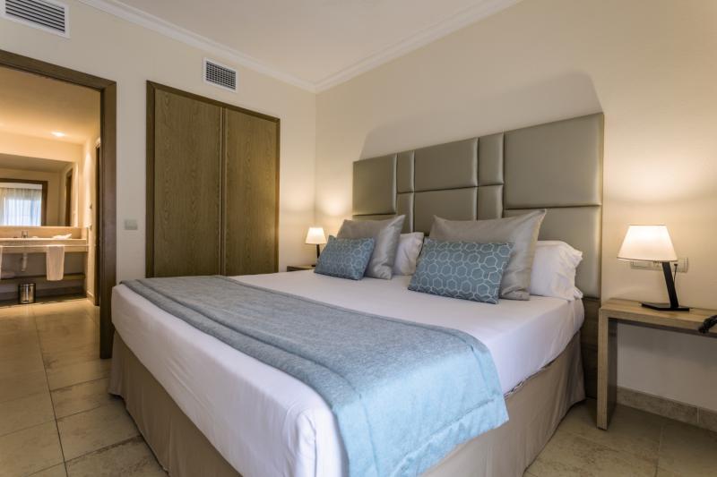 Hotelzimmer im Hotel Zafiro Mallorca günstig bei weg.de