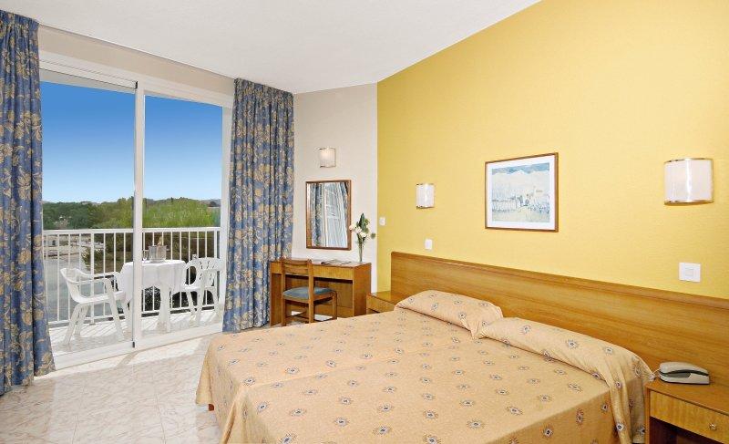 Hotelzimmer im azuLine Hotel Mar Amantis & Mar Amantis II günstig bei weg.de
