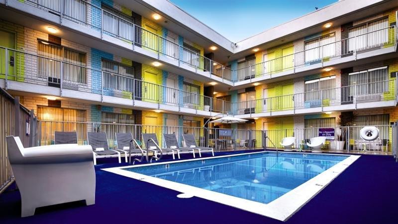 Best Western Plus Hollywood Hills Hotel günstig bei weg.de buchen - Bild von FTI Touristik
