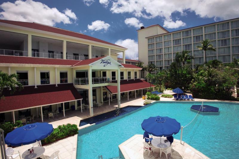 Hotel Breezes Resort & Spa Bahamas günstig bei weg.de buchen - Bild von FTI Touristik