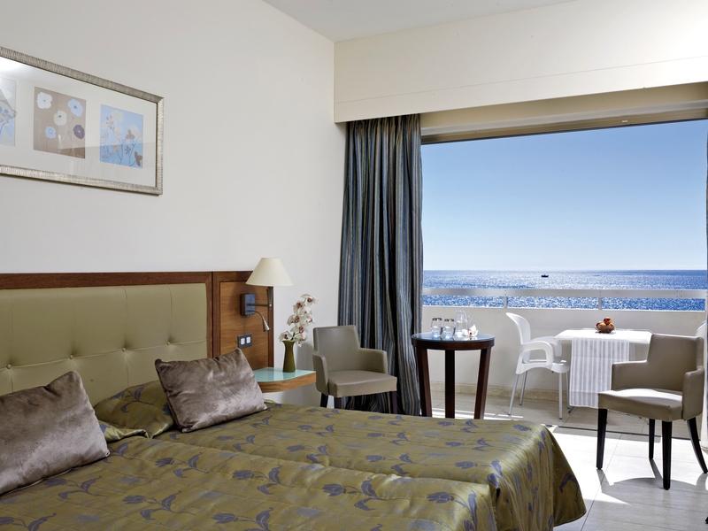 Hotelzimmer mit Mountainbike im Atlantica Miramare Beach Hotel