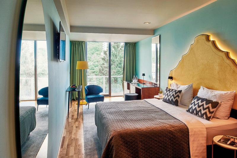 Hotelzimmer mit Minigolf im Falkensteiner Hotel Montenegro