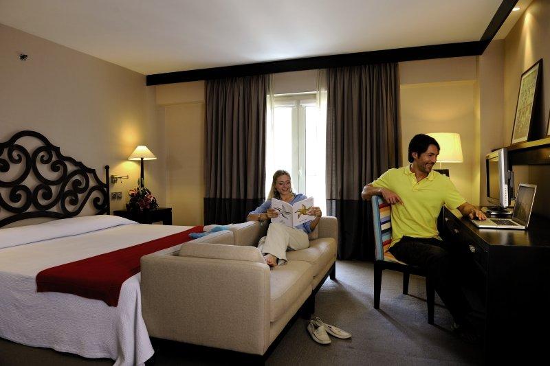 Hotelzimmer im Iberostar Parque Central günstig bei weg.de