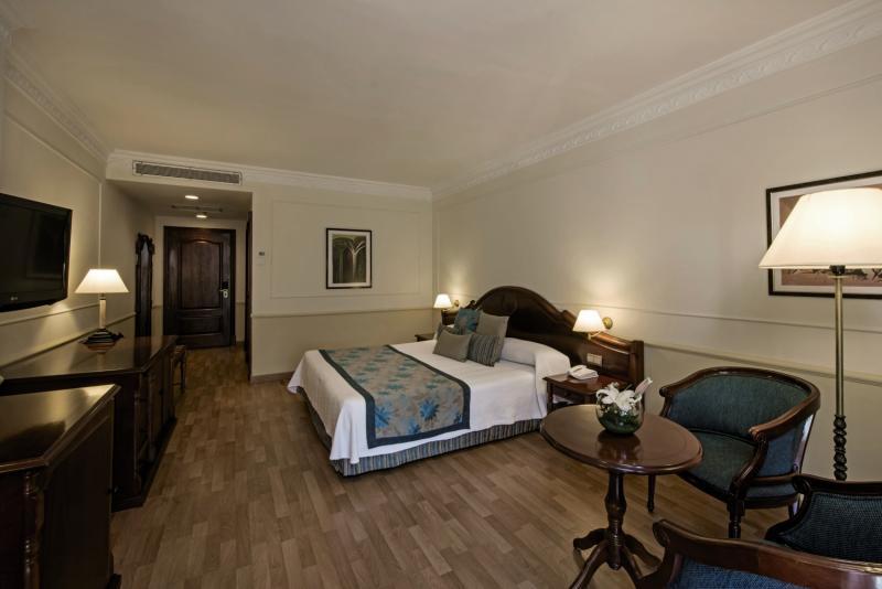 Hotelzimmer mit Kinderbetreuung im Iberostar Parque Central