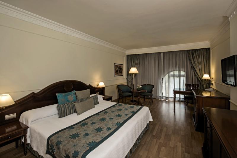 Hotelzimmer mit Kinderpool im Iberostar Parque Central