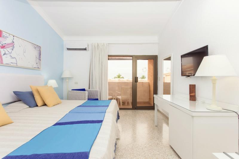 Hotelzimmer mit Volleyball im Be Live Experience Las Morlas