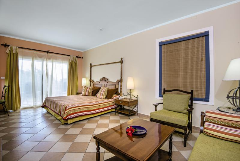 Hotelzimmer im Hotel Playa Pesquero günstig bei weg.de