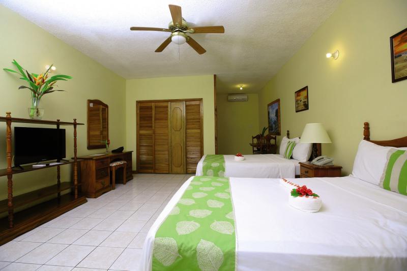 Hotelzimmer im Merril's Beach Resort günstig bei weg.de