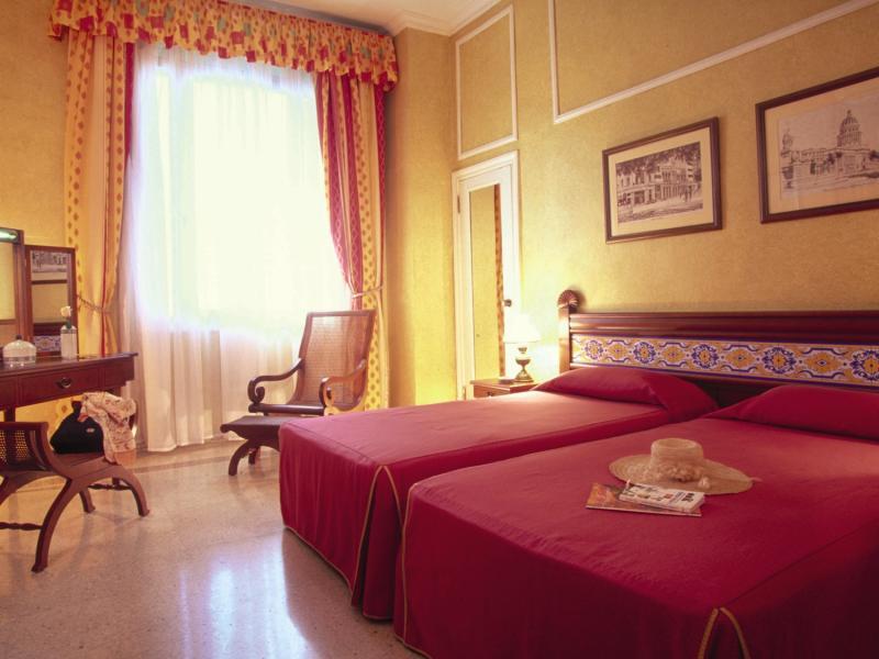 Hotelzimmer im Hotel Sevilla günstig bei weg.de