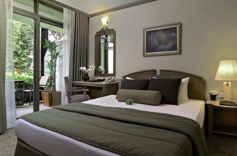Hotelzimmer im Gloria Verde Resort günstig bei weg.de