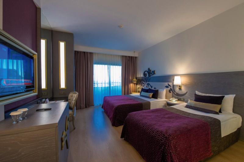 Hotelzimmer im Kirman Hotels Belazur Resort & SPA günstig bei weg.de