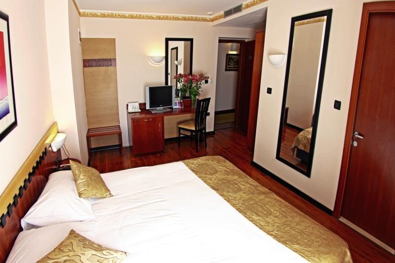 Hotelzimmer im Grand Hotel Park günstig bei weg.de