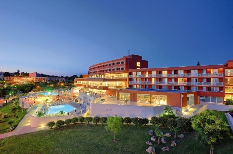 Hotel Albatros Plava Laguna günstig bei weg.de buchen - Bild von FTI Touristik