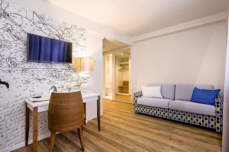 Hotelzimmer mit Mountainbike im Amadria Park Hotel Jure