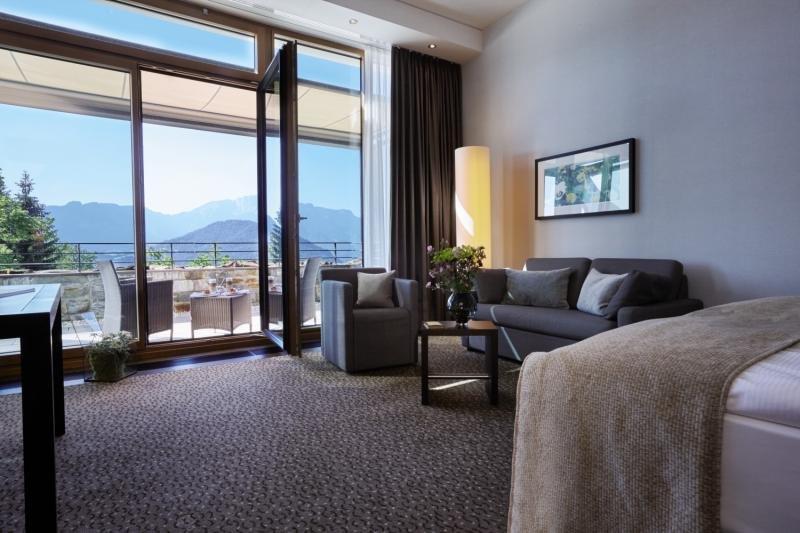 Hotelzimmer mit Golf im Kempinski Hotel Berchtesgaden