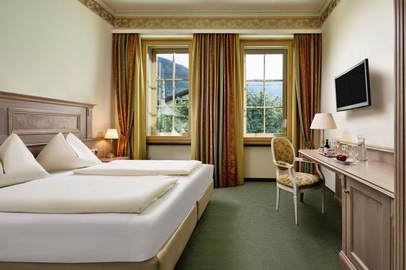 Hotelzimmer im Grand Hotel Zell Am See günstig bei weg.de