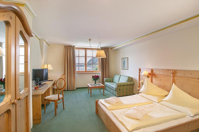 Hotelzimmer mit Golf im Grand Hotel Zell Am See