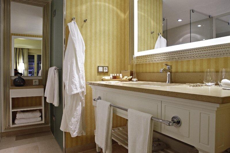 Hotelzimmer im Steigenberger Grandhotel & Spa günstig bei weg.de