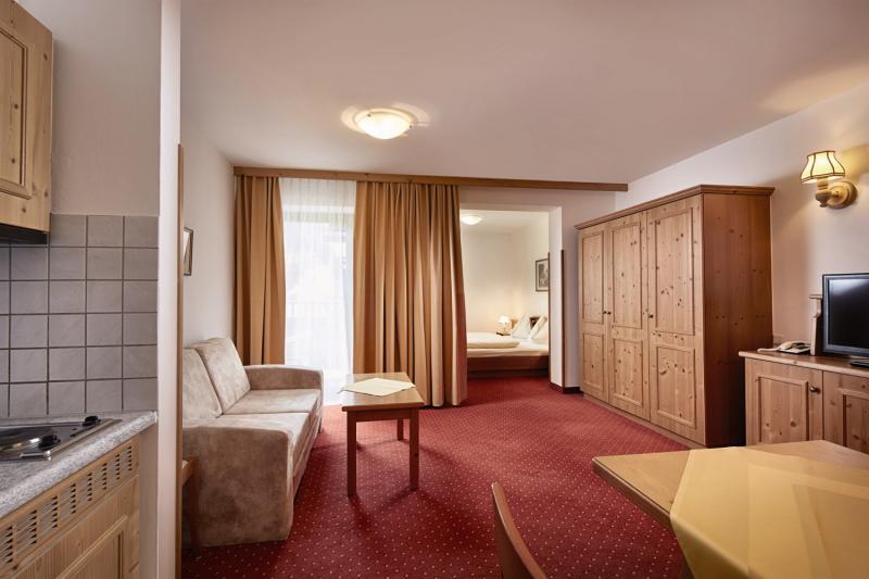 Hotelzimmer mit Fitness im Hotel Kroneck Aschaber