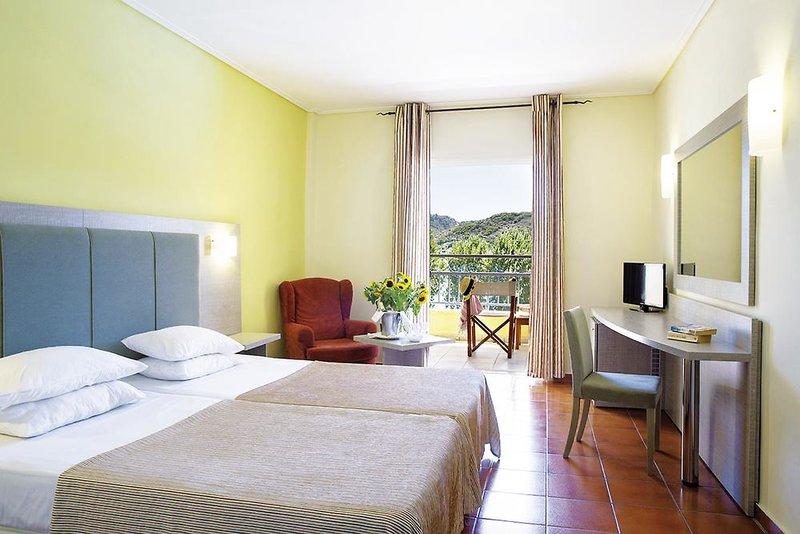 Hotelzimmer mit Tennis im Dolce Attica Riviera