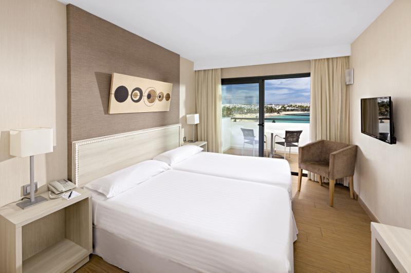 Hotelzimmer im Be Live Experience Lanzarote Beach günstig bei weg.de