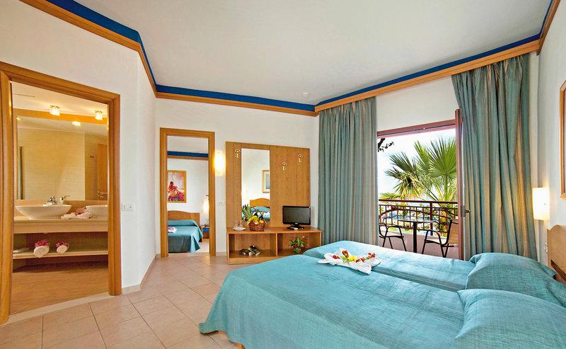 Hotelzimmer mit Volleyball im Nana Beach