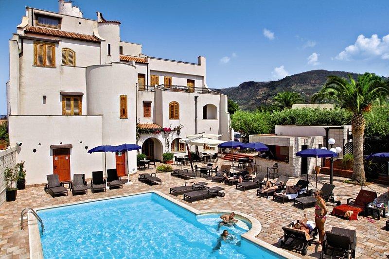 Hotel Baia del Capitano günstig bei weg.de buchen - Bild von FTI Touristik
