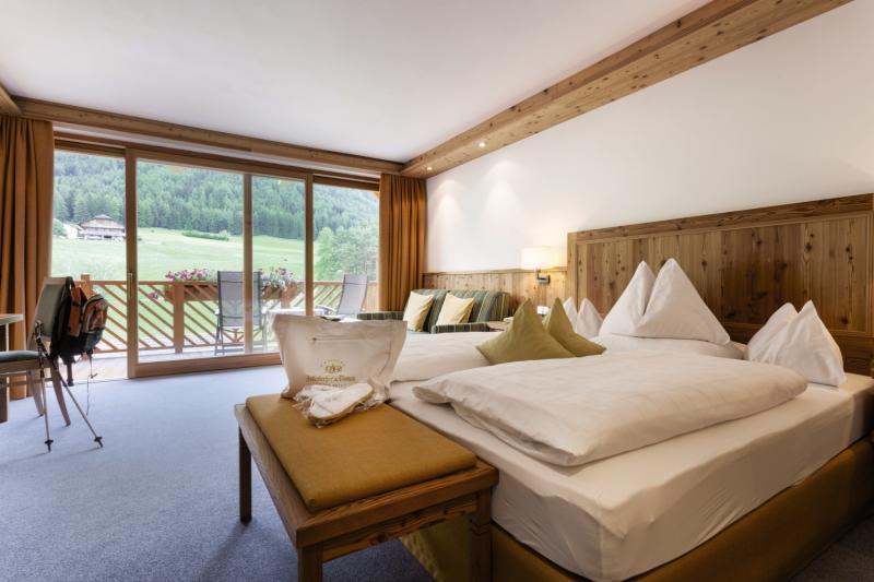 Hotelzimmer mit Golf im Hotel Chalet Tianes Alpine Relax