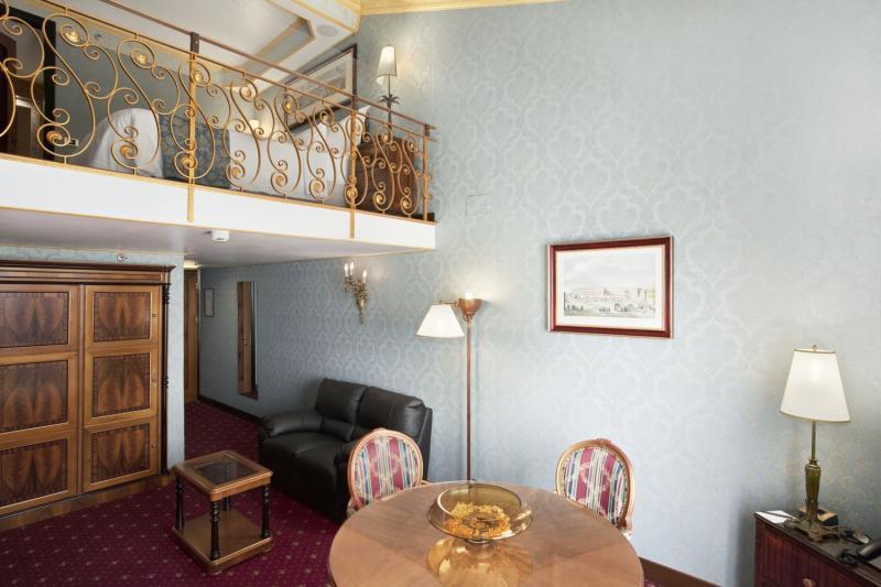 RG Naxos Hotel in Sizilien - Bild von FTI Touristik