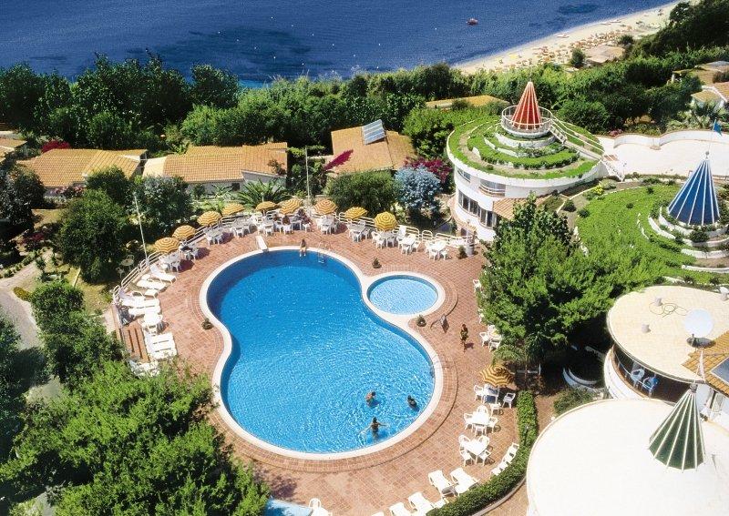 Hotel Stromboli Villaggio günstig bei weg.de buchen - Bild von FTI Touristik