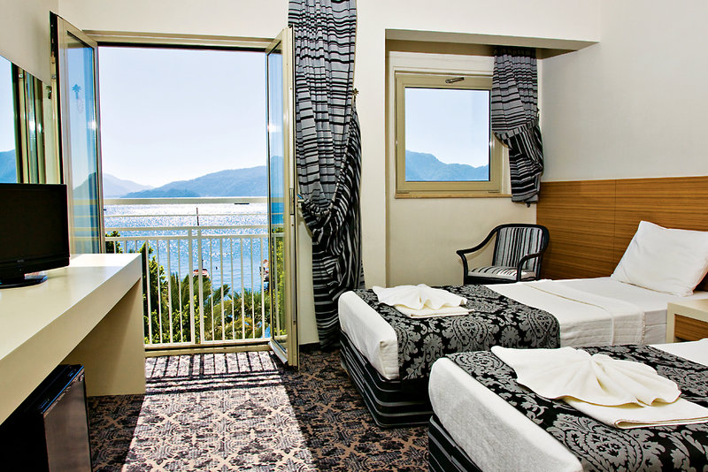 Hotelzimmer mit Mountainbike im Cettia Beach Resort