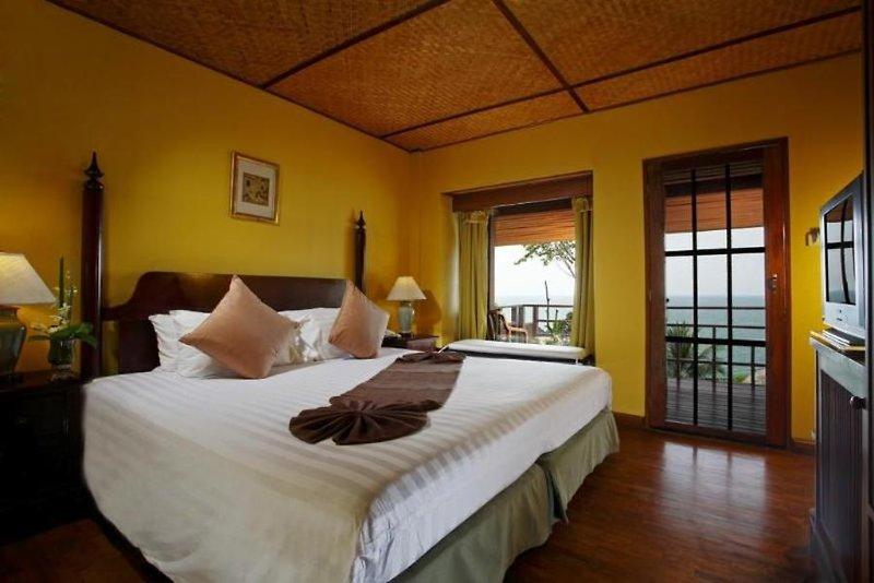 Hotelzimmer mit Sandstrand im Baan Krating Khao Lak Resort