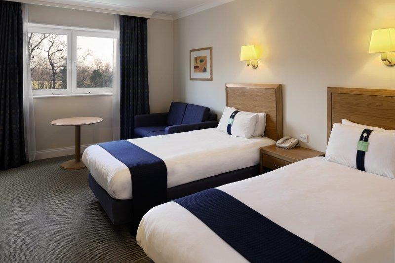 Hotelzimmer im Holiday Inn Edinburgh günstig bei weg.de