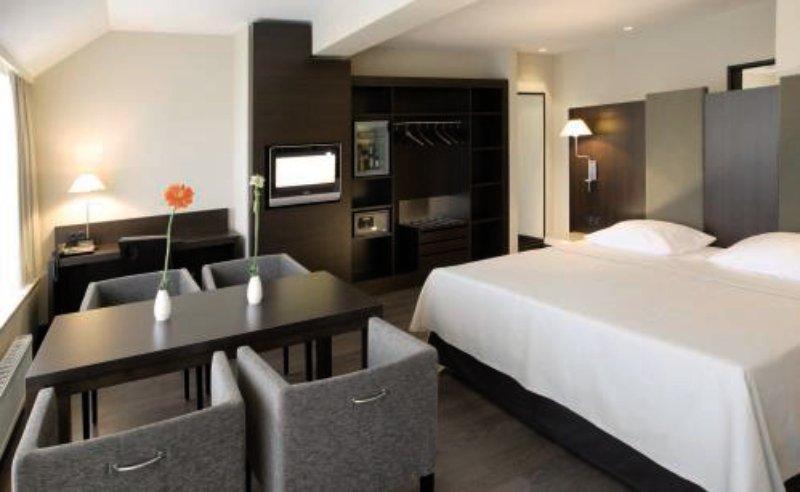 Hotel NH Düsseldorf Königsallee in Nordrhein-Westfalen - Bild von 5vorFlug