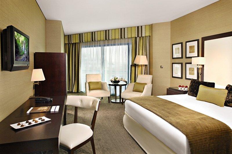 Hotelzimmer mit Fitness im Roda Al Bustan